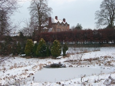 The house and garden in winter